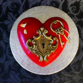 торт сердце с ключом