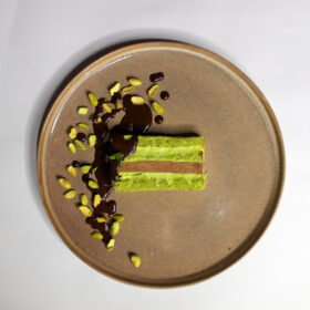 Фисташковый с шоколадом и мятой