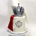 торт с короной монарха